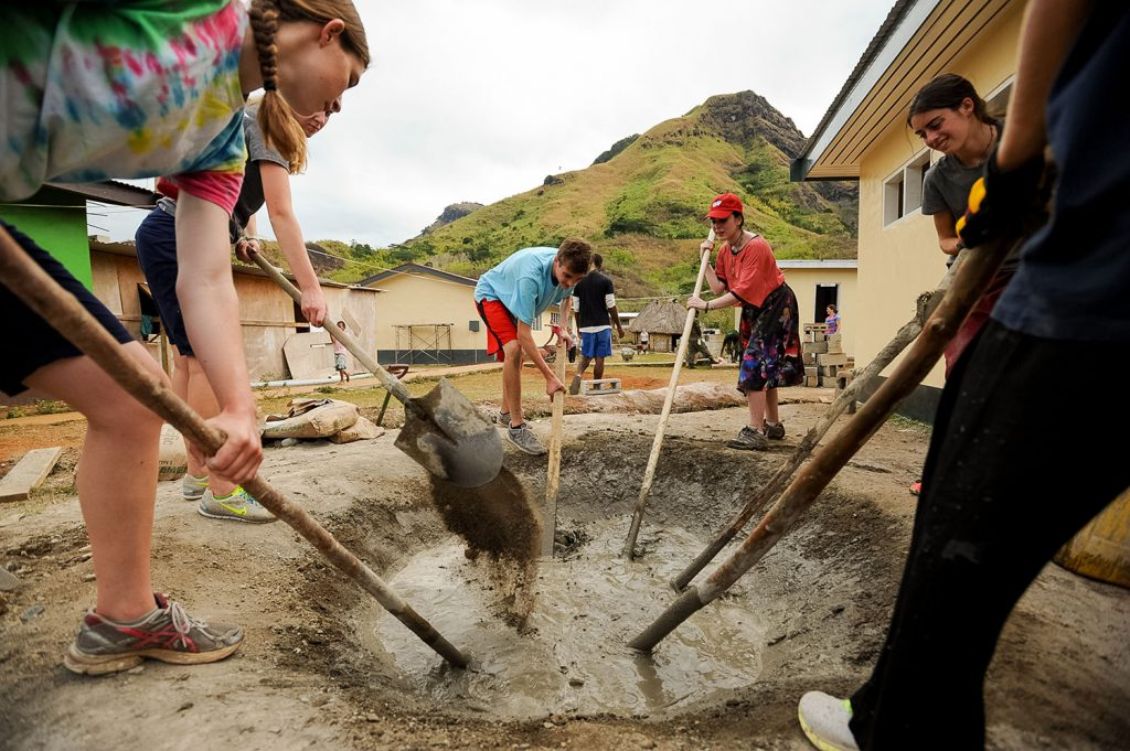 community service in Fiji with Rustic Pathways