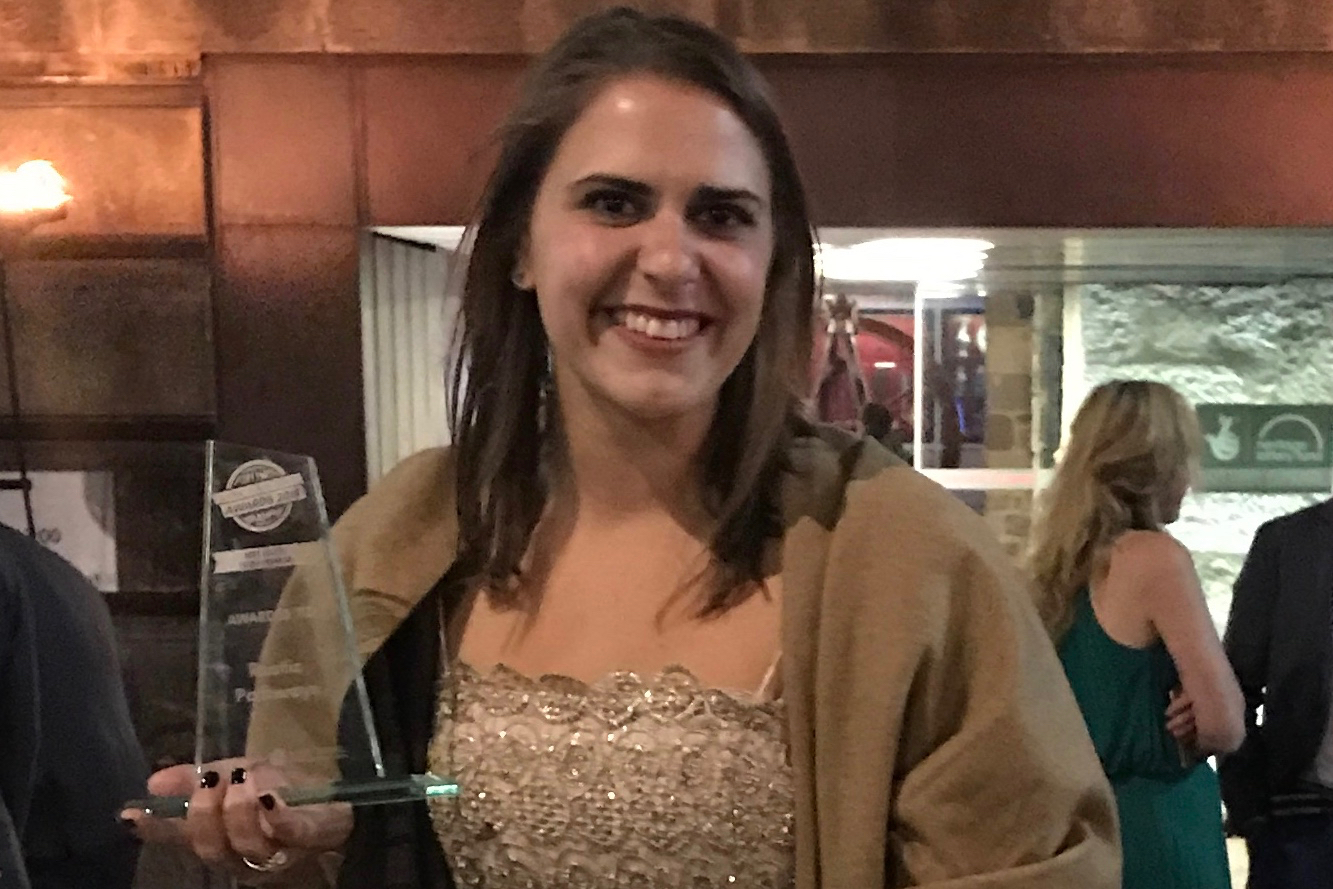 Liz Cortese with the 2018 WYSTC Youth Tour Operator Award